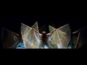 le ali di Iside in uso