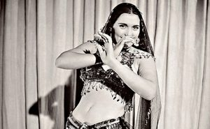 La danzatrice Tahiya Karyoka